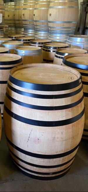 el papel del vino blanco en el acabado de los licores